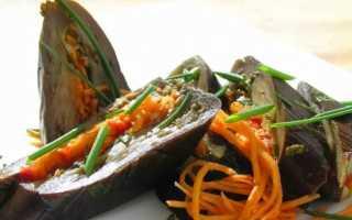 Фаршированные баклажаны с овощами соленые под гнетом