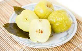 Квашеные яблоки в ведре